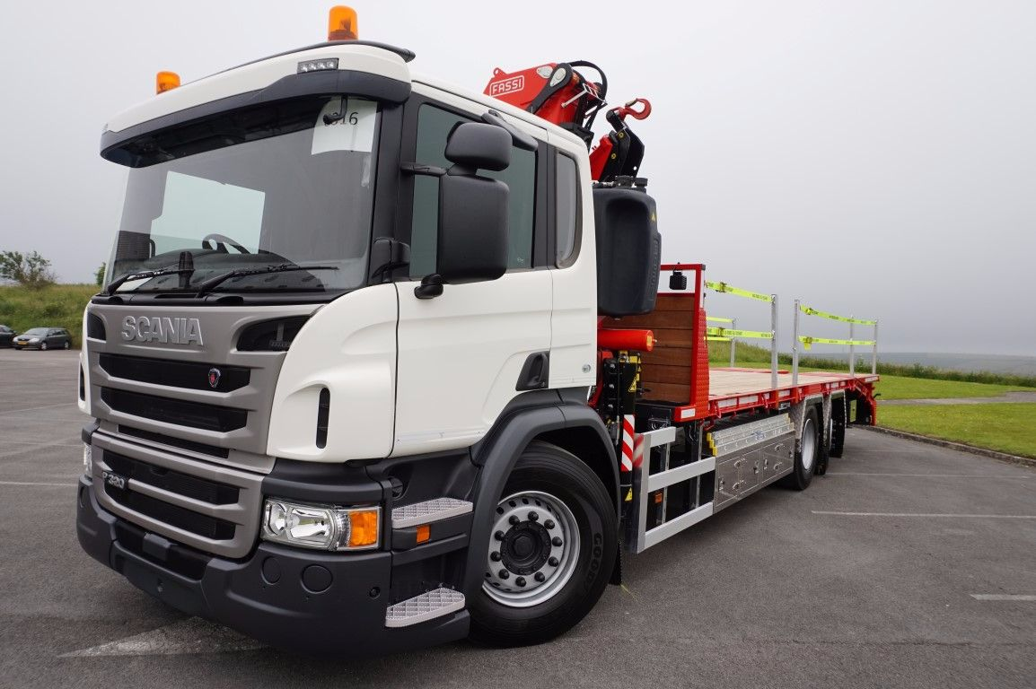 DAF (2019) LF230 Builders Merchant 4 x 2 Fassi F110.2.22 Crane Mounted Rigid Flatbed - Mac's ...