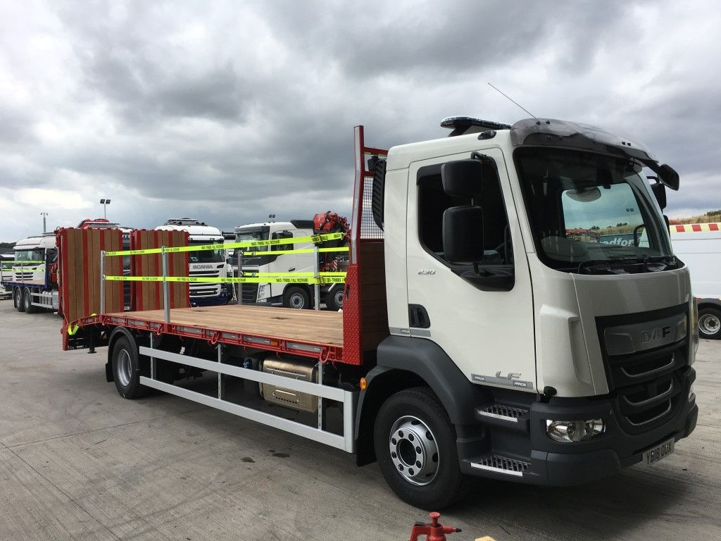 right hand side view of DAF beavertail truck