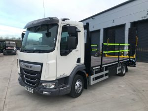 front view of DAF rigid body beavertail truck